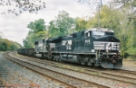 NS 9805 hauls slab empties