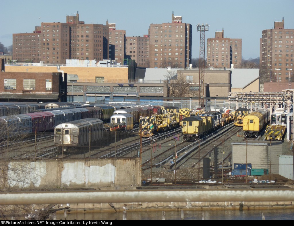 NYCT work equipment in 207 Street Yard