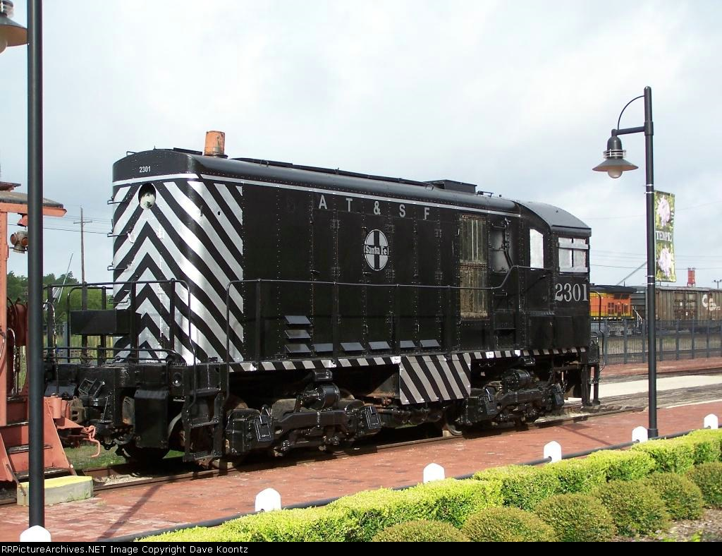 ATSF 2301 On display at the Railroad and Heritage Museum