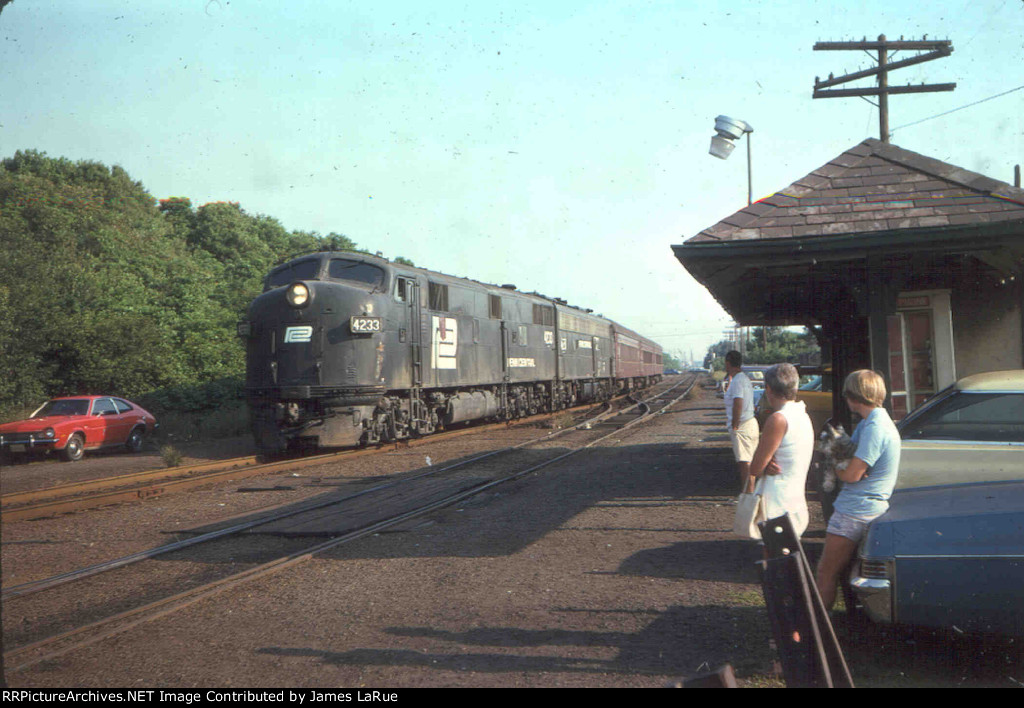 PC 4233 With the Morning Local to Bay Head