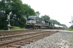 NS 7540 leads train 176