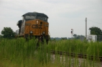 CSX 5225 waits to go away after dropping empties and forgetting to pull loads
