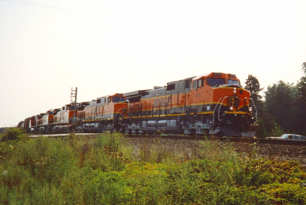 BNSF power leaves the yard