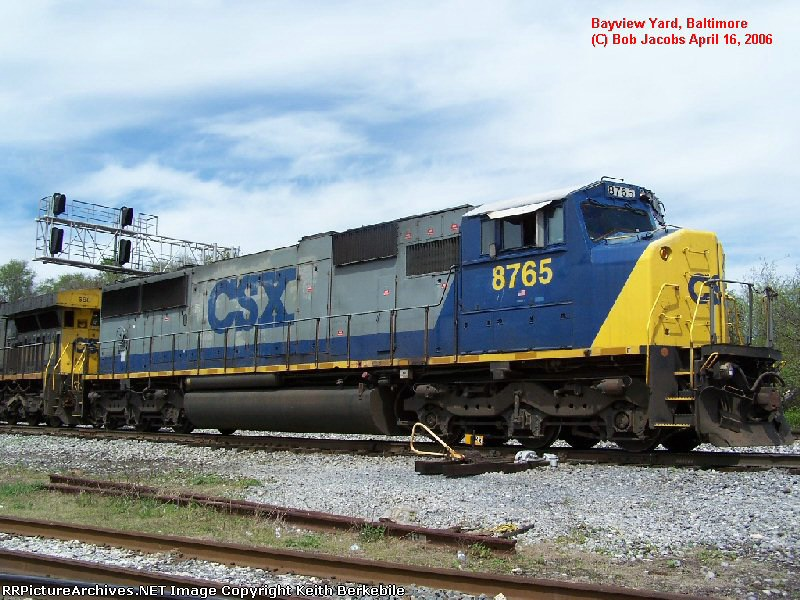 CSX SD60M 8765