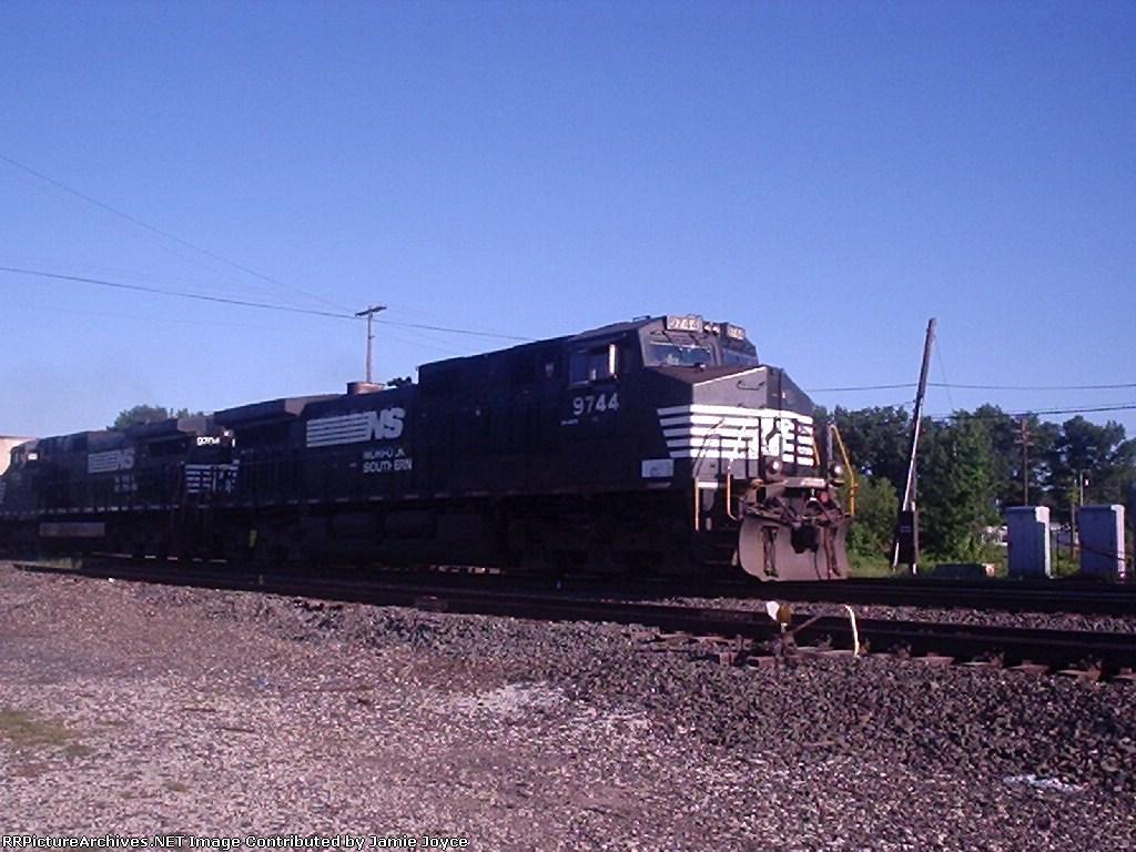NS 9744