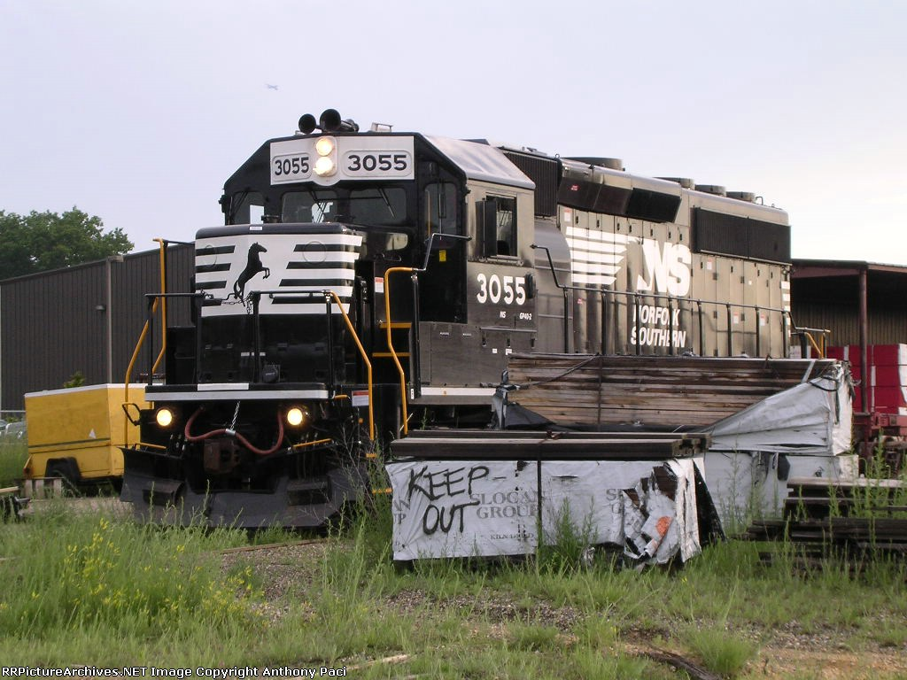 Conrail SA31 switching Woodhaven Lumber