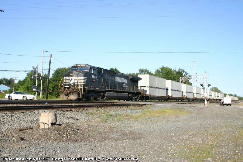 NS 9685 on top secret stack train