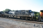 NS 9152 dead in tow