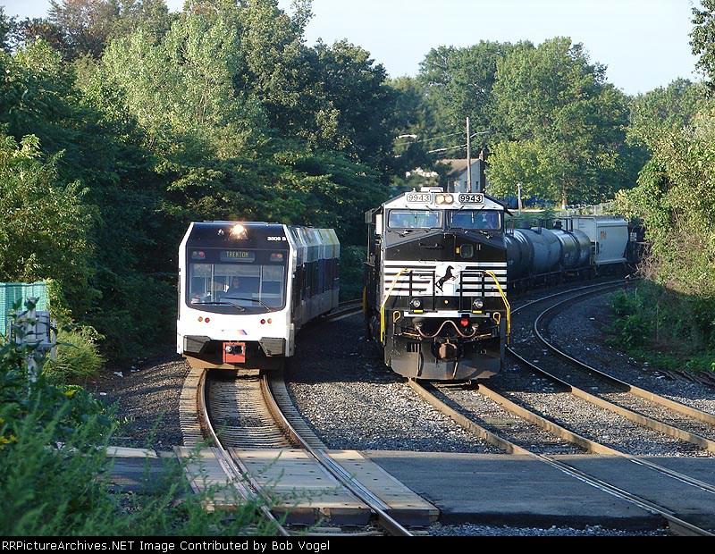 NJT River LINE Stadler DLRV 3506