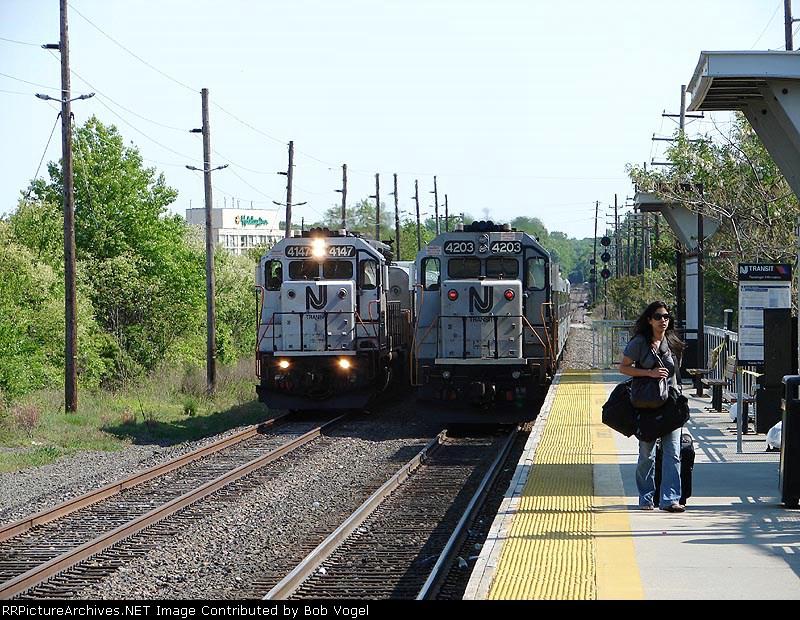 NJT 4147 & 4203