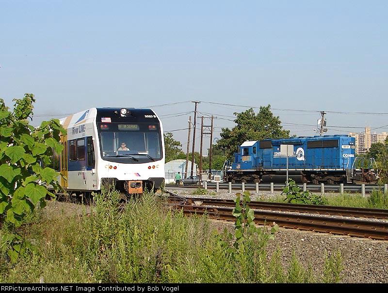 NJT 3520 & CSX 8817