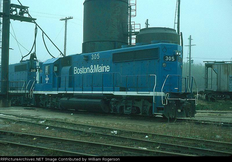 Boston and Maine Railroad EMD GP40-2 No. 305