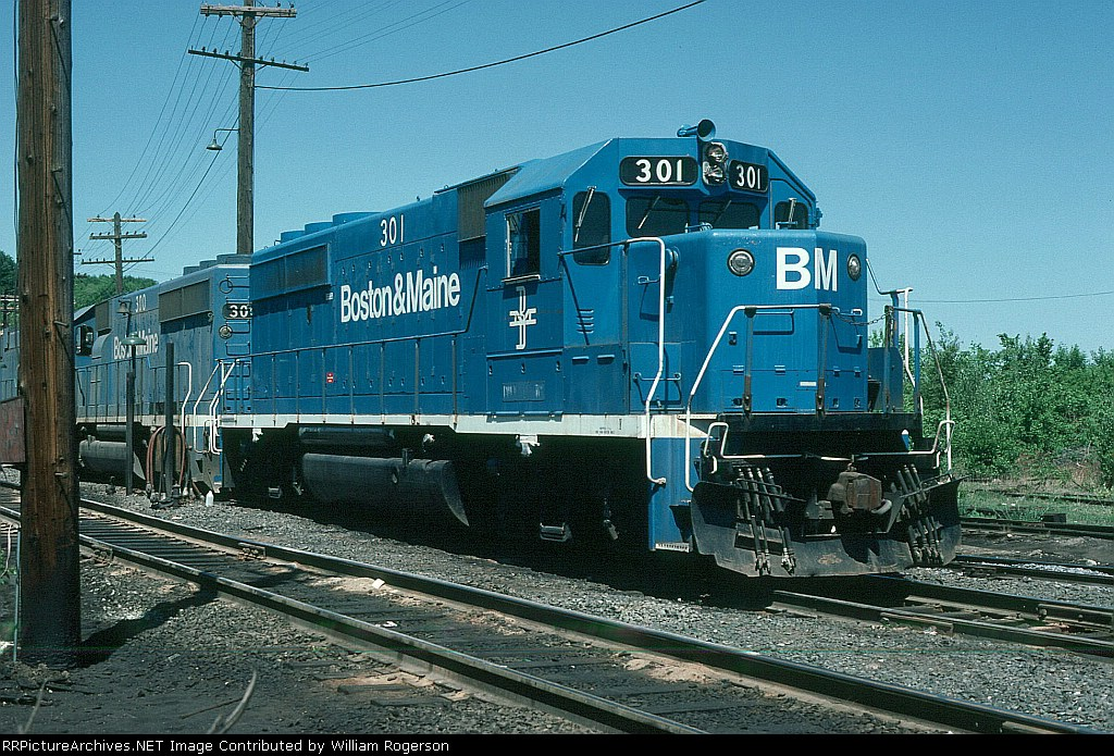 Boston and Maine Railroad (BM) EMD GP40-2 No. 301