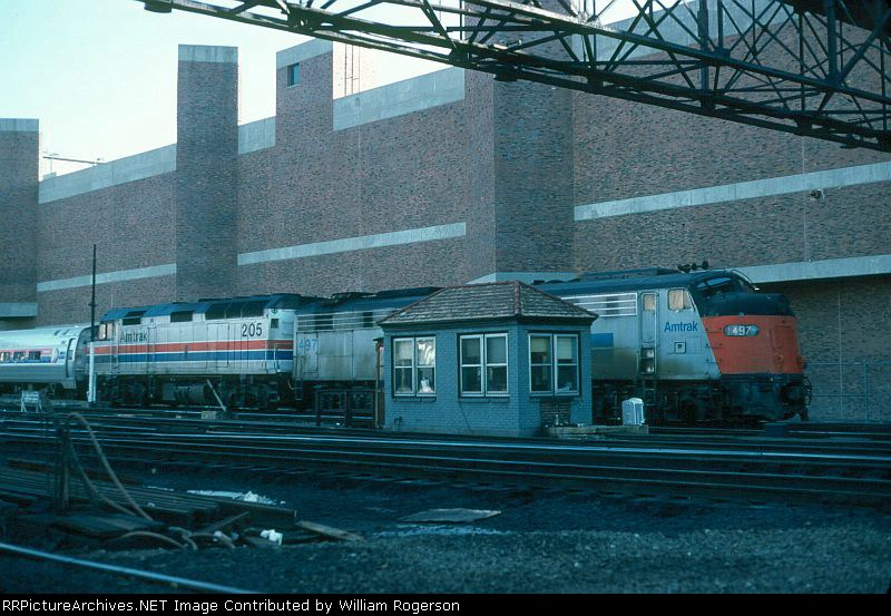 Amtrak EMD E8A No. 497 and F40PH No. 205