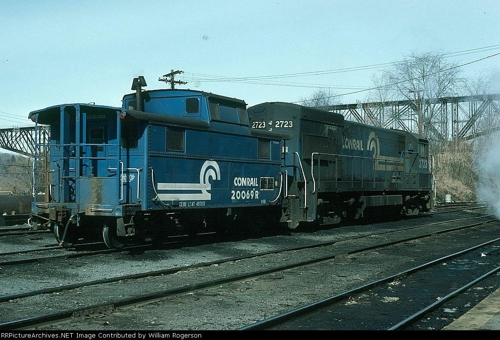 Conrail (CR) GE U23B No. 2723 and N-5B Caboose No. 20069