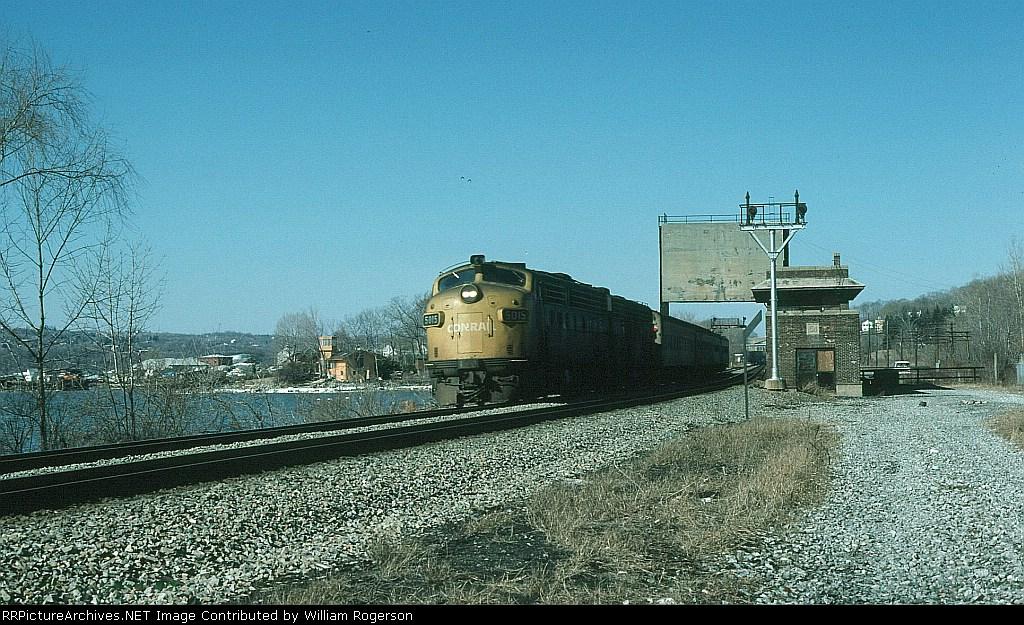 Southbound Metropolitan Transit Authority (New York) Commuter Train led by Conrail (CR) EMD FL9 No. 5015 crosses the Wappinger's Creek Bridge