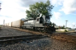 NS 3283 brings empty racks into town