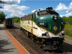 Maine Eastern FL9 #488 Running Around its Train