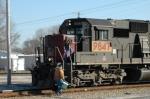 Crew Change, CE&D crew turns Q686 over to the Illinois sub crew