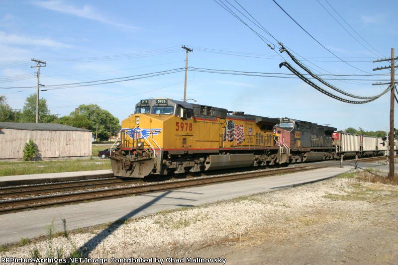 UP 5978 takes New York empties back west