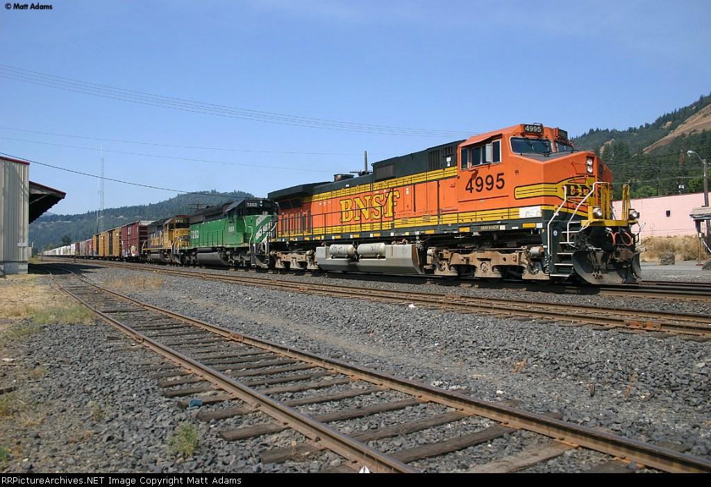 BNSF 4995 East