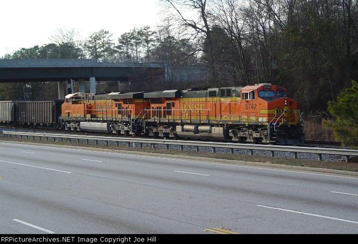 BNSF 5742 (NS #738)