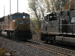 NS 7508 and UP 4886 meet