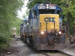 CSX 6134 does some local switching work