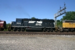 NS 3044 is Conrail inside
