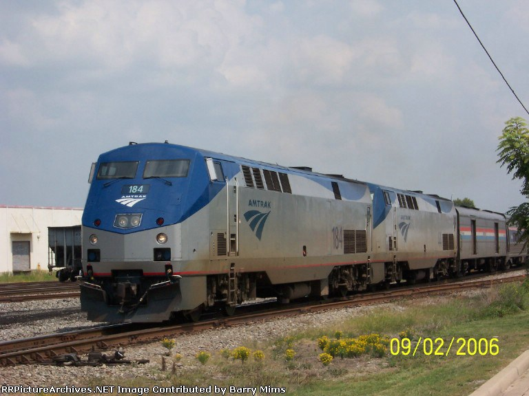 Amtrak 184 leads train 19 at 32nd street