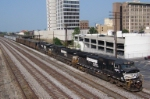 NS 9260 leads empty northbound coal train