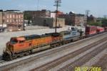 BNSF 5487 leads southbound CSX train Q215
