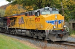 NS 930 UP 5307 Building America  flag engine