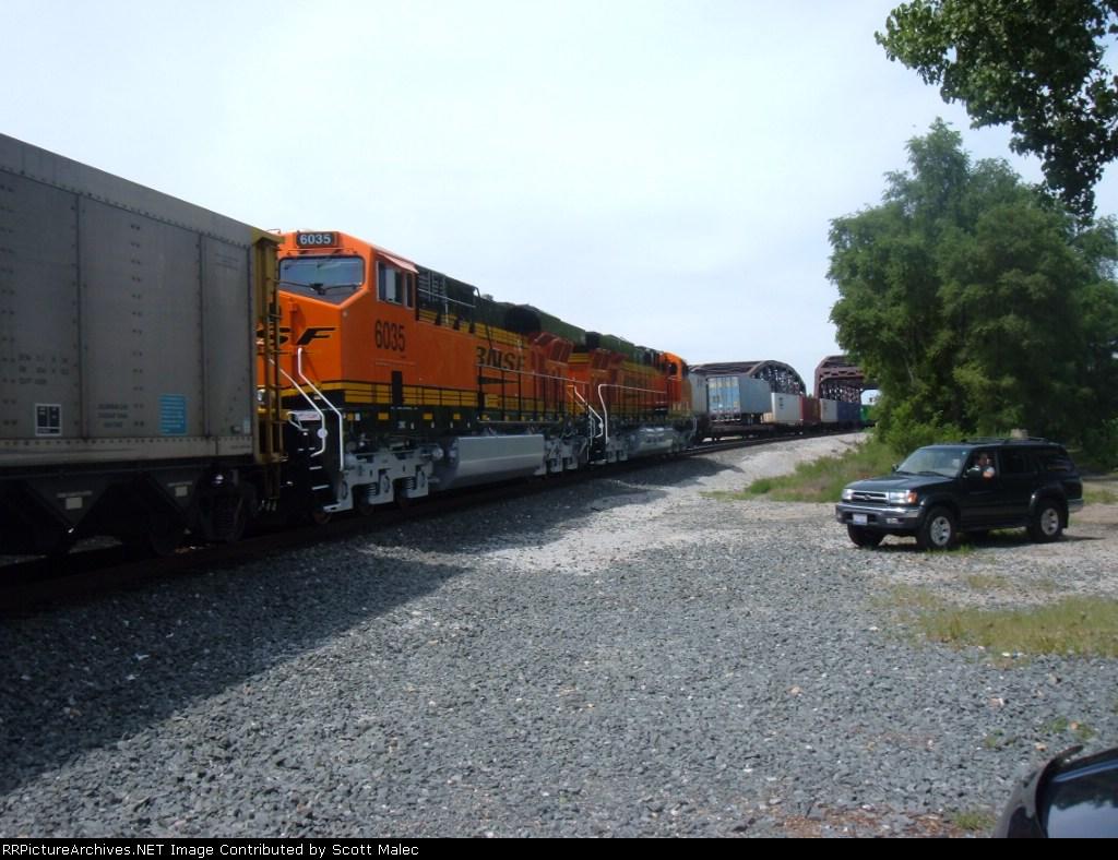 BNSF 6037 & 6035