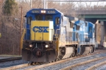 Q261, a light power move, CSXT  7632 (C40-8) & CSXT 5975 (B40-8), ex Norfolk Southern and Conrail