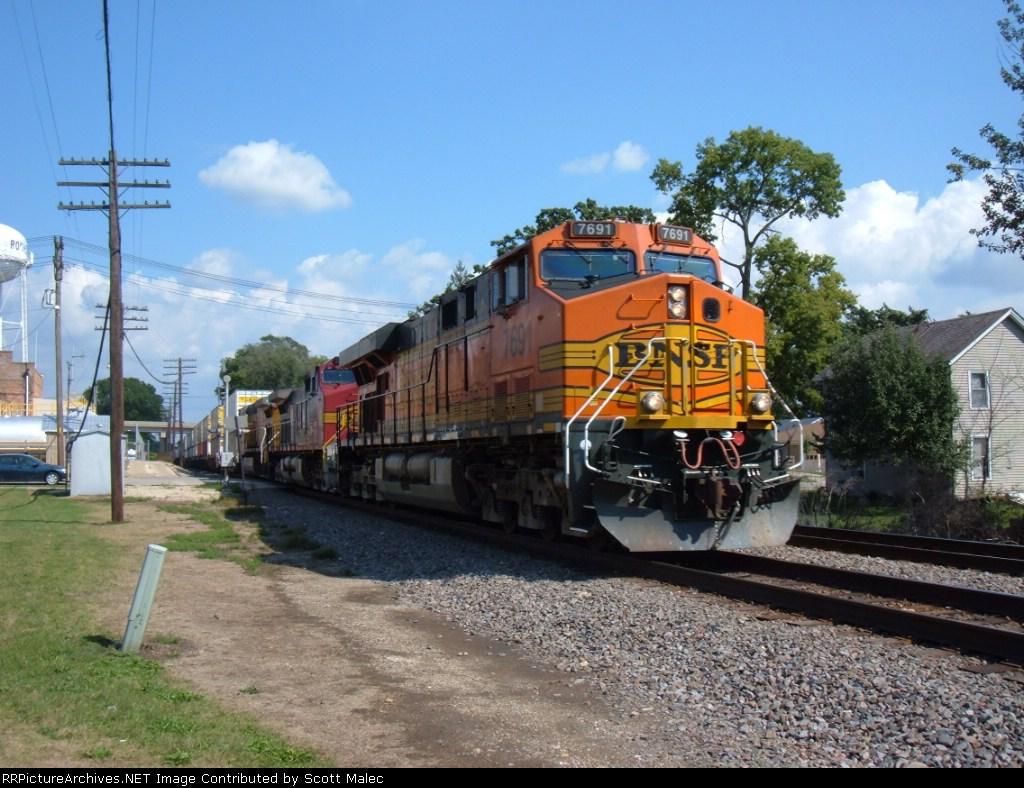 BNSF 7691 & UP 6470