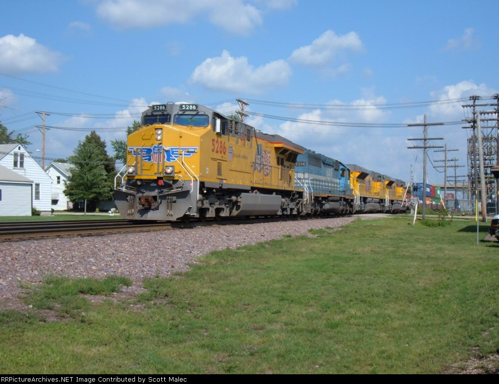 UP 5286 & GSCX 7376, UP 8482 & 8434