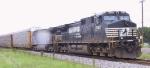 NS 9722 leads an intermodal train to the port