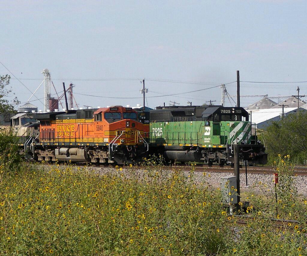 BN 7825, BNSF 2181 & BNSF 5840