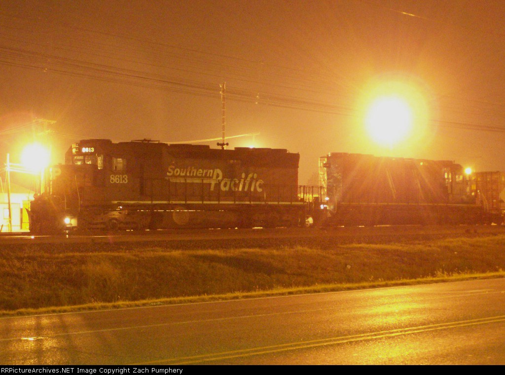 Southbound Intermodal With SP 8613 SD40M-2