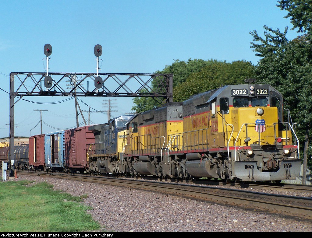 Eastbound UP Manifest Under the Old CNW Searchlight Signal Bridge