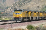 New UP ACe's lead an intermodal towards Los Angeles