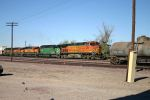 BNSF Stack train flies through Cadiz