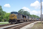 CSX 5205 on Q679 heading south