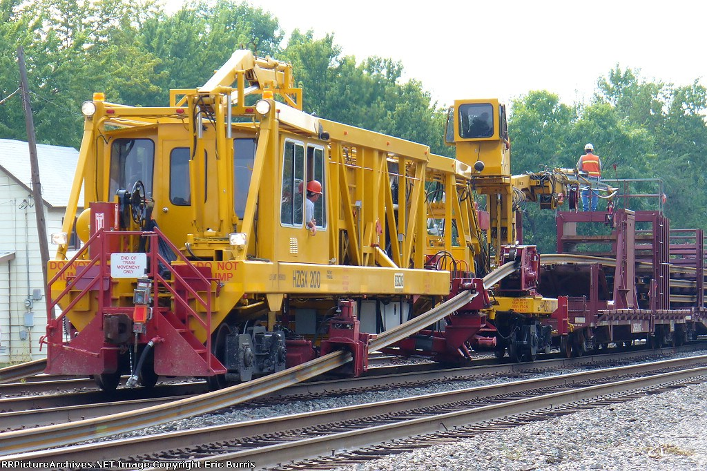 BNSF 504 and Herzog 200 worktrain