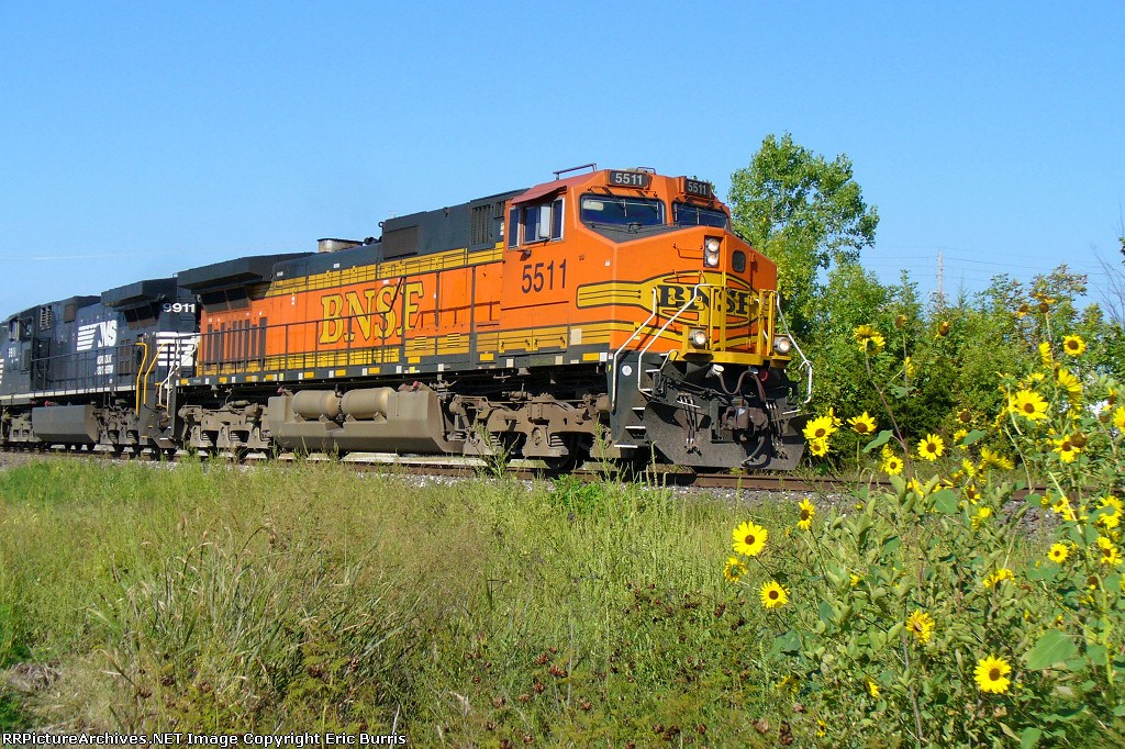 BNSF 5511 eastbound Reroute