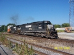 NS 6562 leads NS train 202 towards depot and Tennessee River bridge.