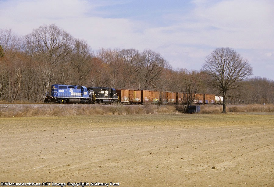 Westbound on the siding with an SD40-2