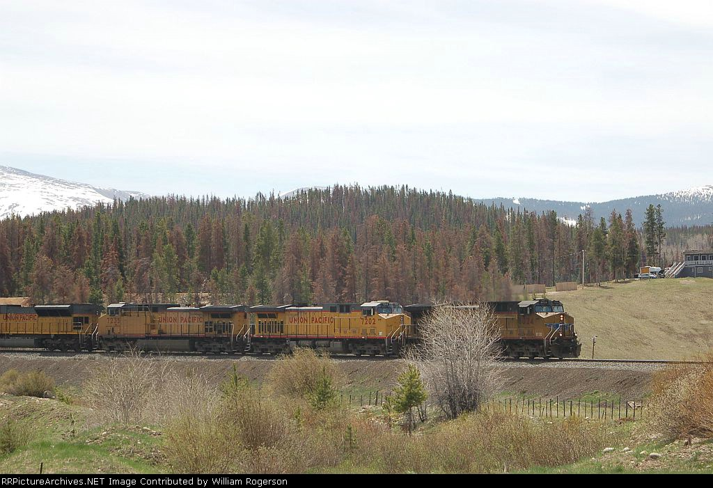 Union Pacific Railroad GE AC44CWCTE No. 6024, AC44CW No. 7202 and AC44CW 7235