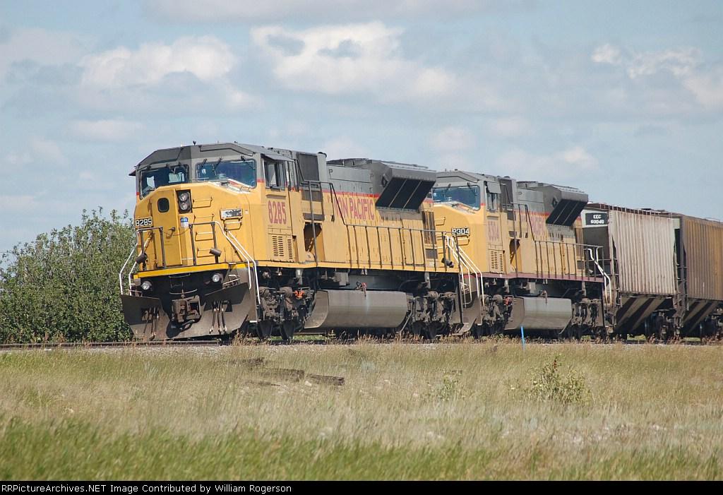 Unino Pacific Railroad (UP) EMD SD9043MAC's No. 8285 and No. 8304
